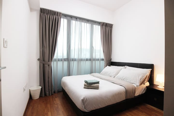 Gem of the West 1BR APT 3 mins from Jurong E MRT