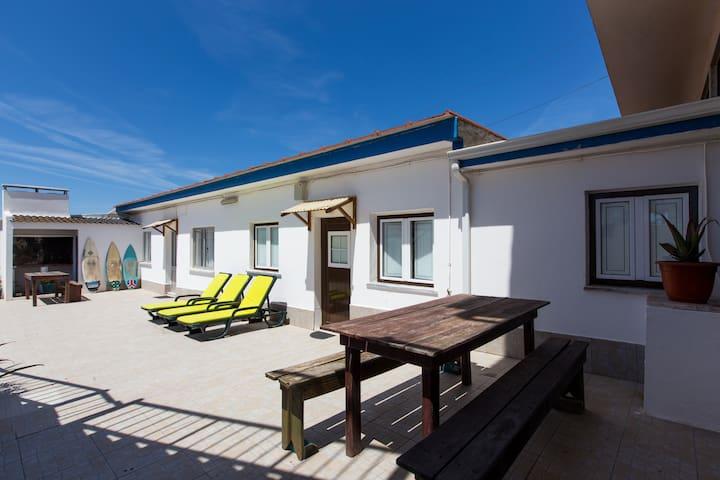 Surf Peniche on the Bay - Peniche - Apartment