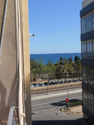 DOUBLE ROOM IN FRONT THE SEA!!! - Mataró - Apartament
