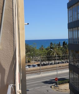 DOUBLE ROOM TO RENT IN FRONT OF THE SEA!!! - Mataró