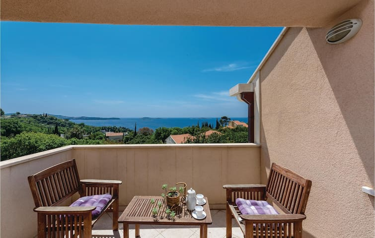 Holiday apartment with 1 bedroom on 58 m² in Mlini