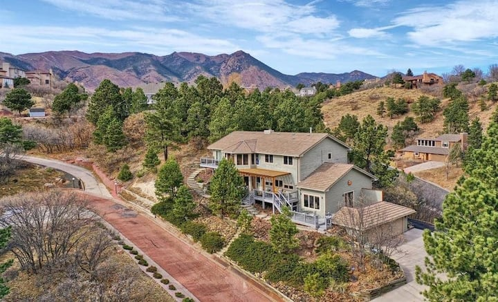 Private Foothills Suite with Patio and Game Room