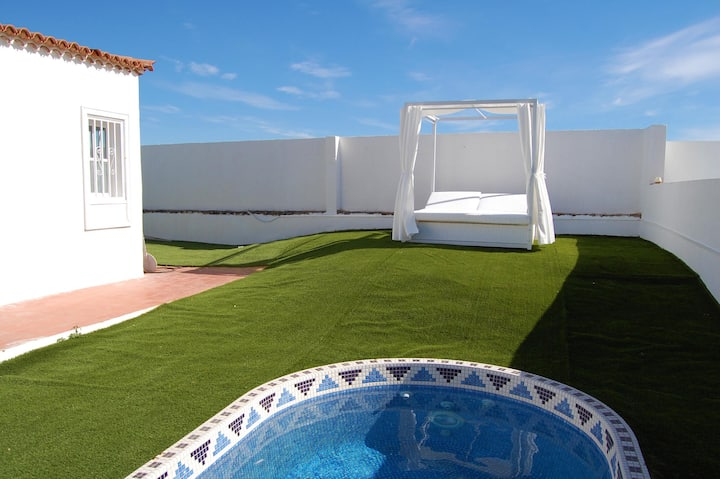 La Quinta- 2 bed villa with private splash pool