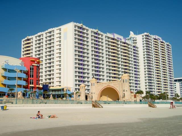 Oceanwalk Resort, Daytona Beach, 4 or 5 nights