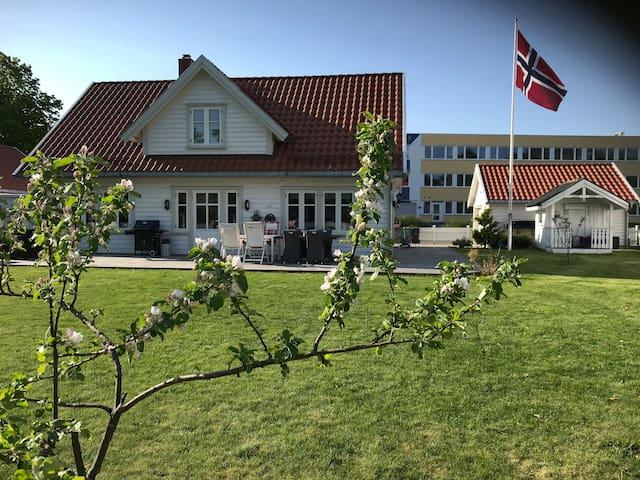 Langesund - hus fra 2011. Nabo til Badeparken
