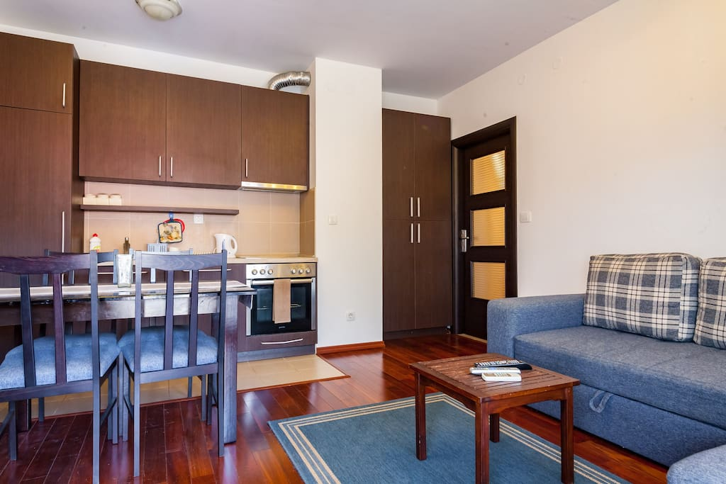 Гостиная с большим раскладным диваном