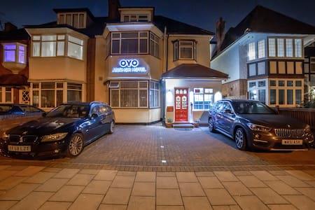 OYO Anchor Hotel, Standard Double Room