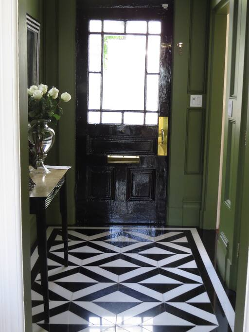 The entranceway with inlaid marble
