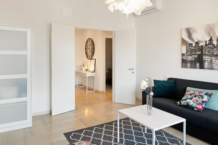 ✧Glowing & Spacious apartment in Novoli✧