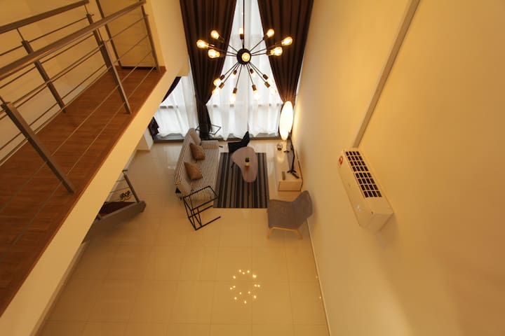 Duplex Loft Suite Pinnacle PJ, near Sheraton & LRT