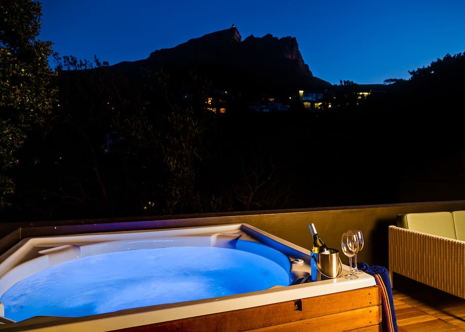 Top terrace with spectacular views of Table Mountain