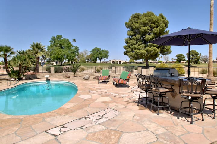 NEW! Chill Desert Oasis 3 Bed on GOLF Course