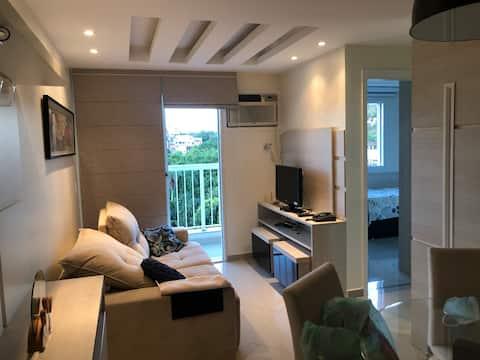 Apartamento 2 quartos, completamente mobiliado.