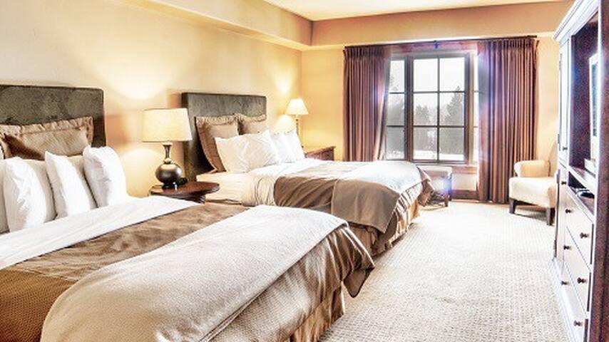 Lodge Dbl Queen 203 | Tamarack Resort | Sleeps 4