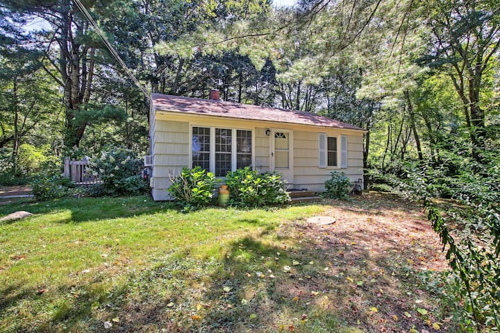 NEW! Peaceful Home 3 Miles to Narragansett Beach!