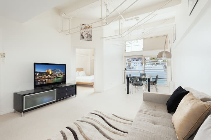 Waterfront Apartment on Sydney Harbour