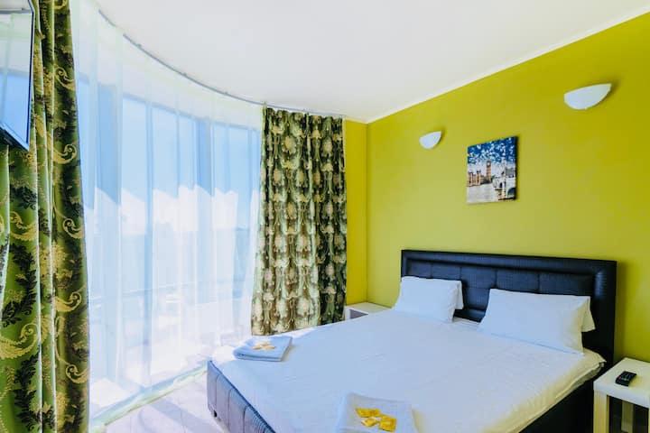 Халва Отель (Люкс с панорамными окнами)