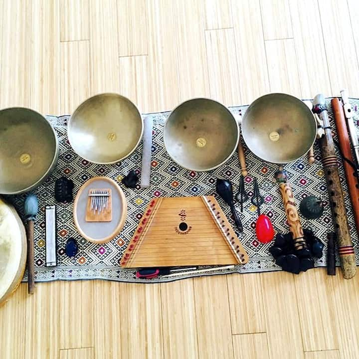 Tibetan bowls, sansula and harp