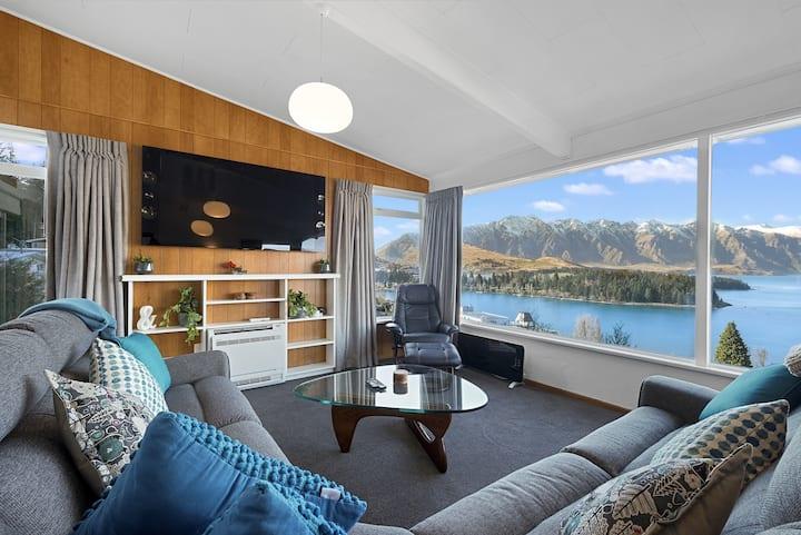 Best VIEWS, 5 bedrooms, best VALUE & WALK to town!