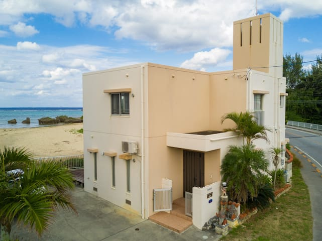 Tropical heaven, luxury Onna-beach SS1