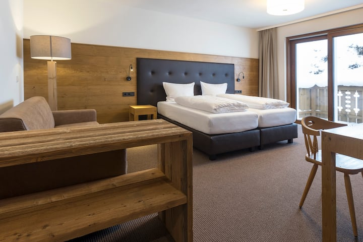 Spacious ensuite private room with Balcony