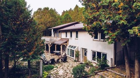 The Wander Lodge