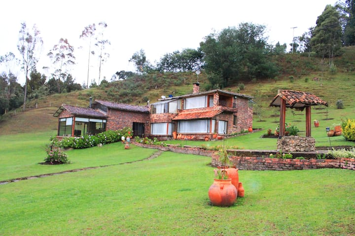 Luxurious Farm/House. Guatavita, CO - Guatavita - Huis