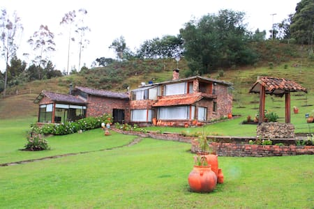 Luxurious Farm/House. Guatavita, CO - Ev