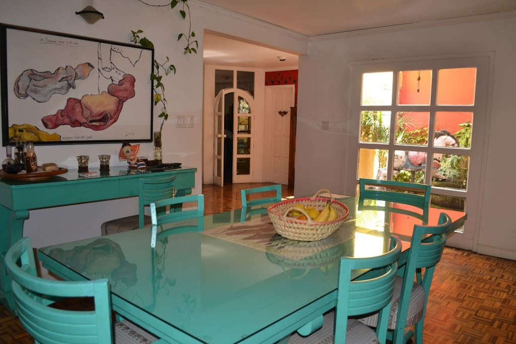 Fully equipped kitchen and dinning