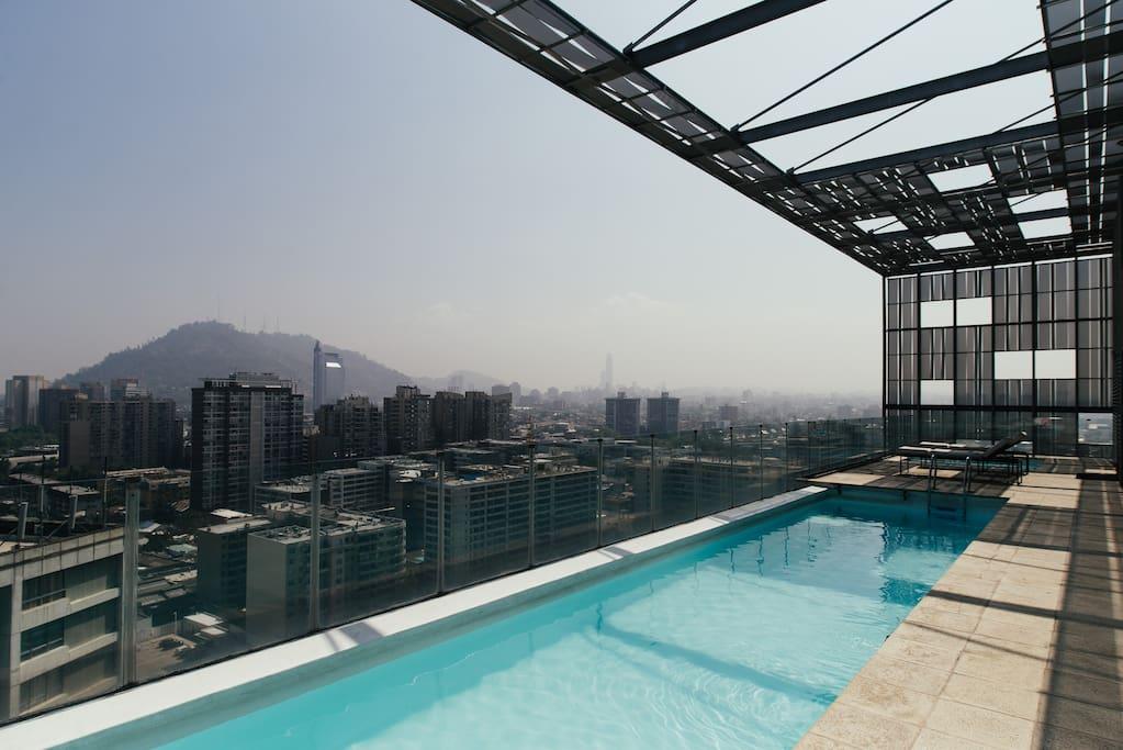 Piscina piso 25 vista a Santiago. Pool Building, 25th floor. Incredible views