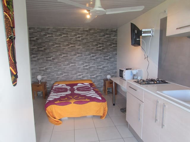 Studio beside a villa  - Noumea - Appartement