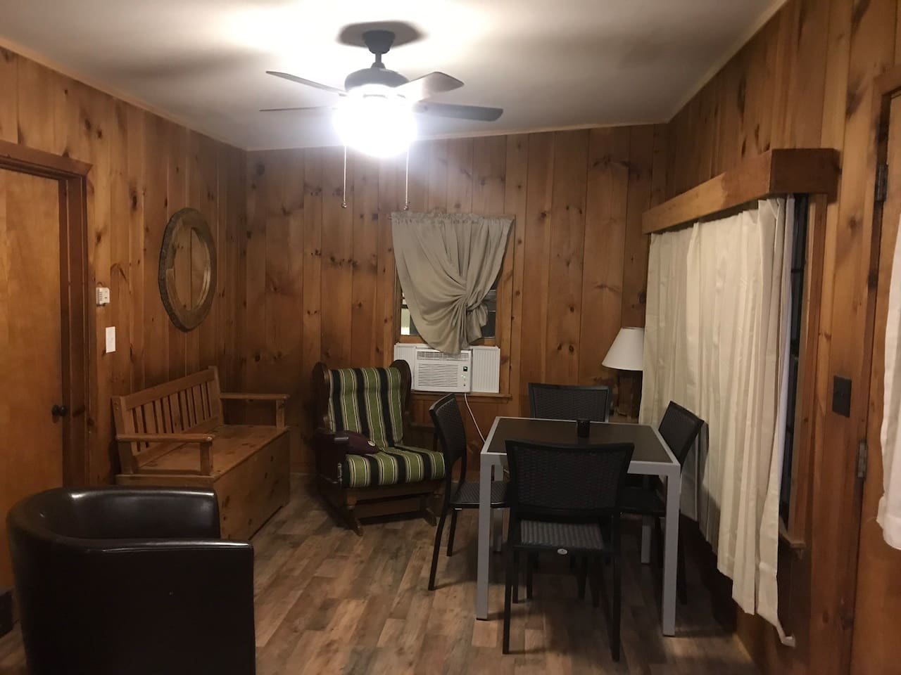2 BDRM Cottage in Meredith next to Church Landing