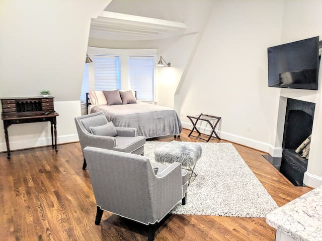 SUPER DEAL Near WHITEHOUSE Studio1  Dupont Circle