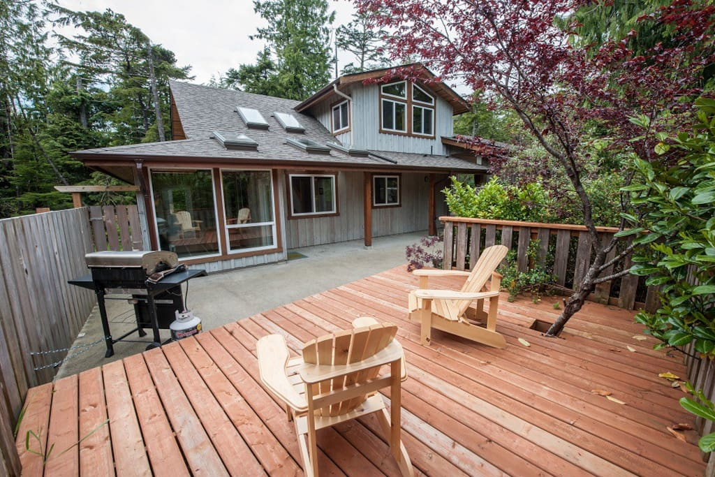 cox bay cabin guesthouses for rent in tofino british. Black Bedroom Furniture Sets. Home Design Ideas