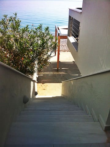 Beachfront 50 sq appartment - Kato Diminio - Leilighet