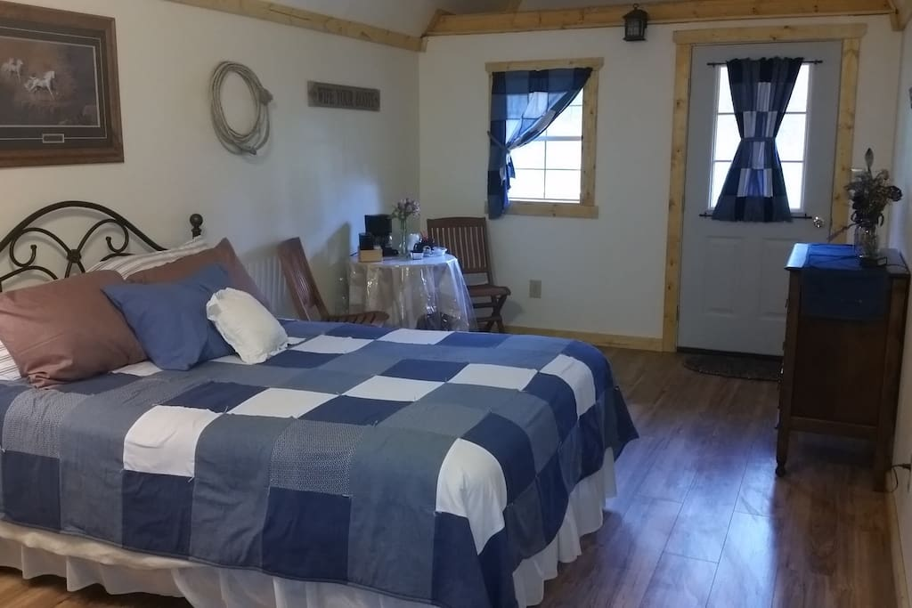 A Brand New Cabin with Brand New Comfy Beds!
