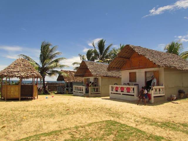 Les bungalows Dauphin bleu - Toamasina  - Chalet