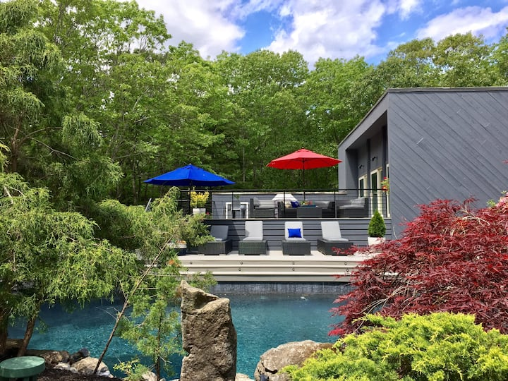 Hamptons retreat with Pool & Tennis