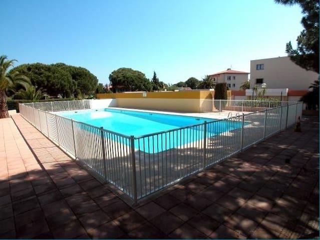 Agréable 3 pièces - loggia-piscine
