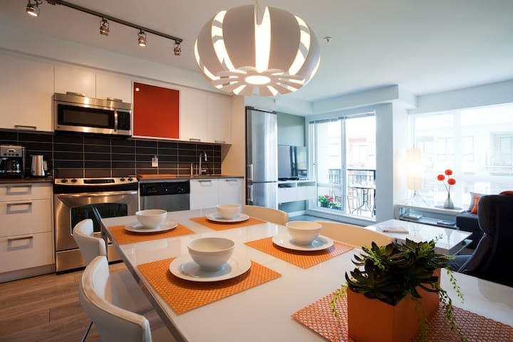 COOL SUNNY DOWNTOWN - Victoria - Appartement