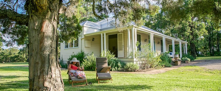 Lillian's on Lovedale - whole house for two guests