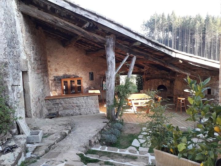 en Ardèche entre rivières et forêts