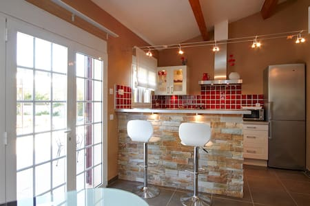 Studio dans villa avec piscine - Cassis - Appartement