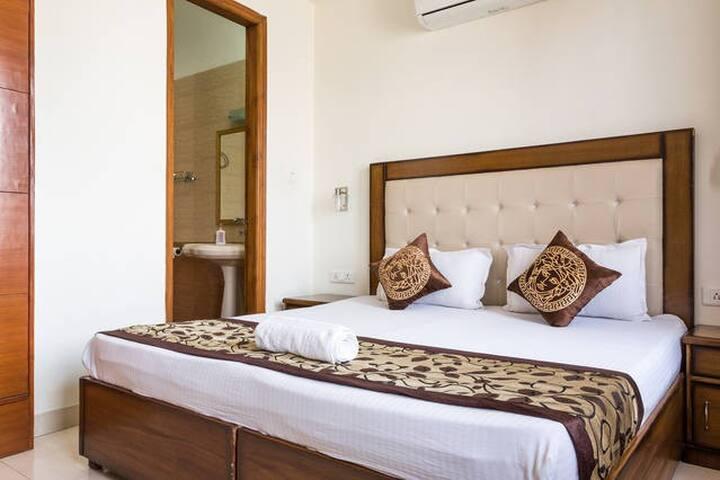 Serviced Apartment - Defence Colony - New Delhi
