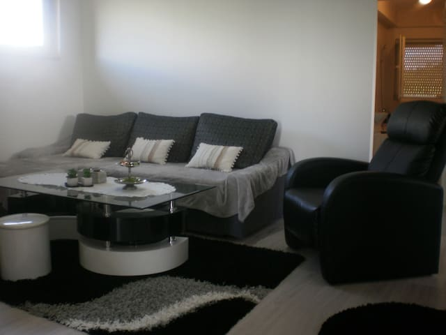 Modern apartment in quiet location - Banja Luka - Rumah