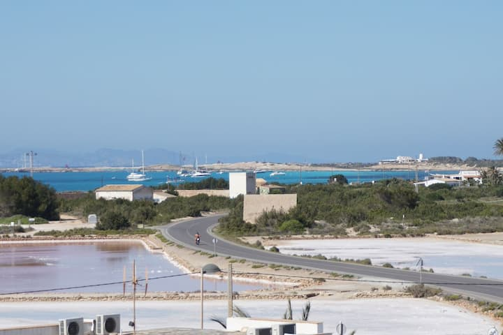 The best location in Formentera! (Licenced house)