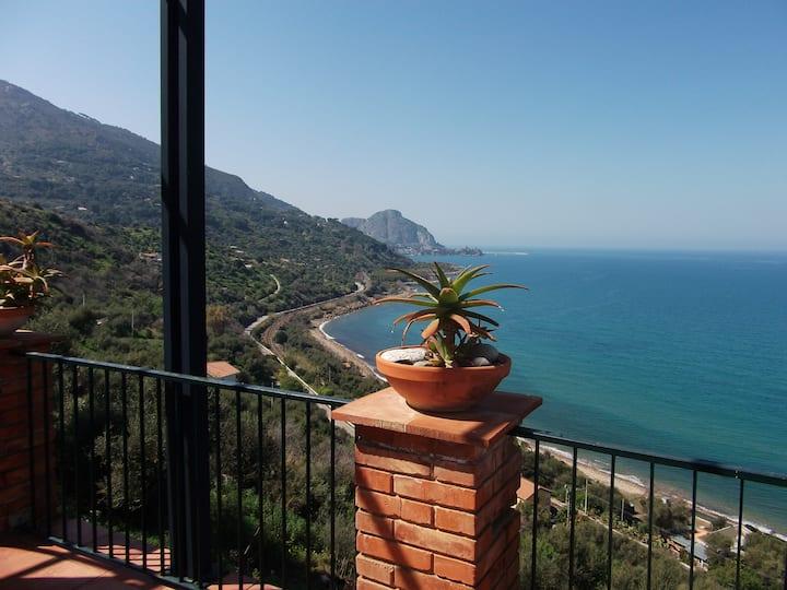 Villa con vista mozzafiato sulla baia di Cefalù