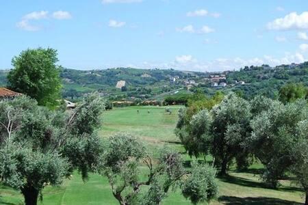 Fiammetta's Golf House - Miglianico - 公寓