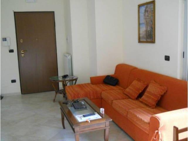 Pomigliano / Acerra Double Room - Acerra - อพาร์ทเมนท์