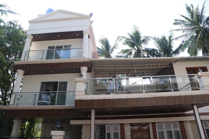 Shree Cottage Super Deluxe Room